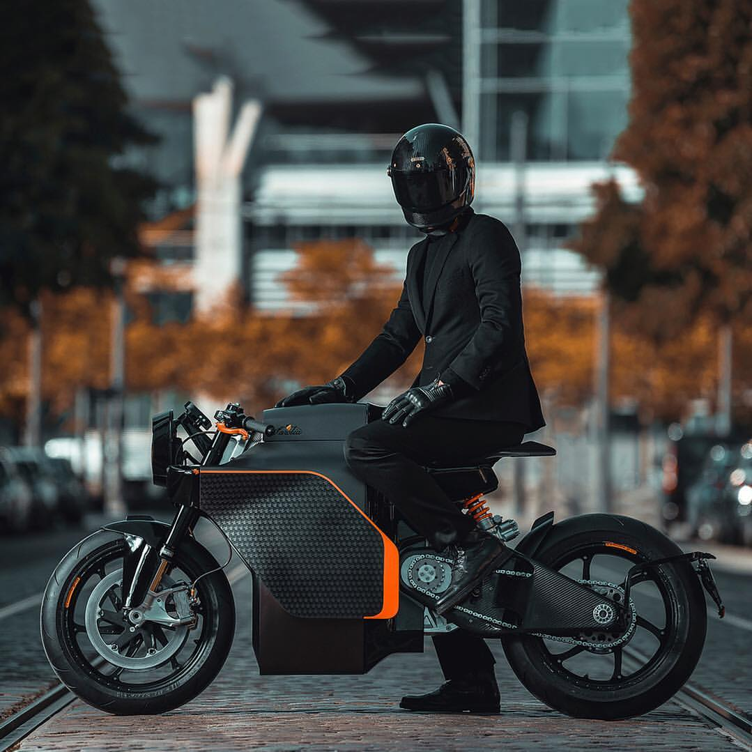 motorcyclesofinstagram,electricmotorcycle,industrialdesign,electricvehicle,TheSuitedRacer,custommotorcycle,sarolea,saroleamoto,caferacer,thehighisreal,ridewiththemighty,bikeexif
